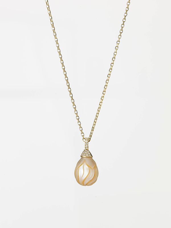 0710-16945 Carved Pearl 02