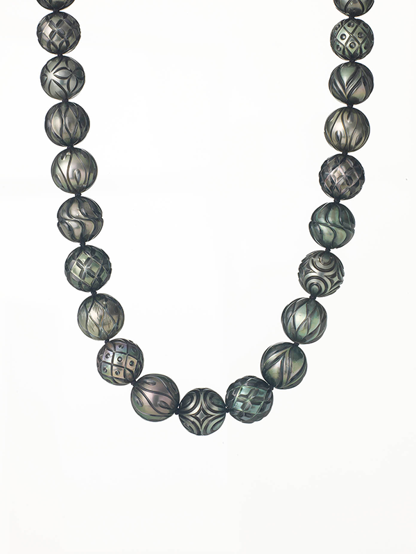 0710-16951 Carved Pearl 03