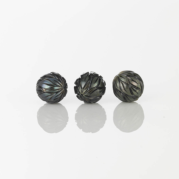 0710-16975 Carved Pearl 04